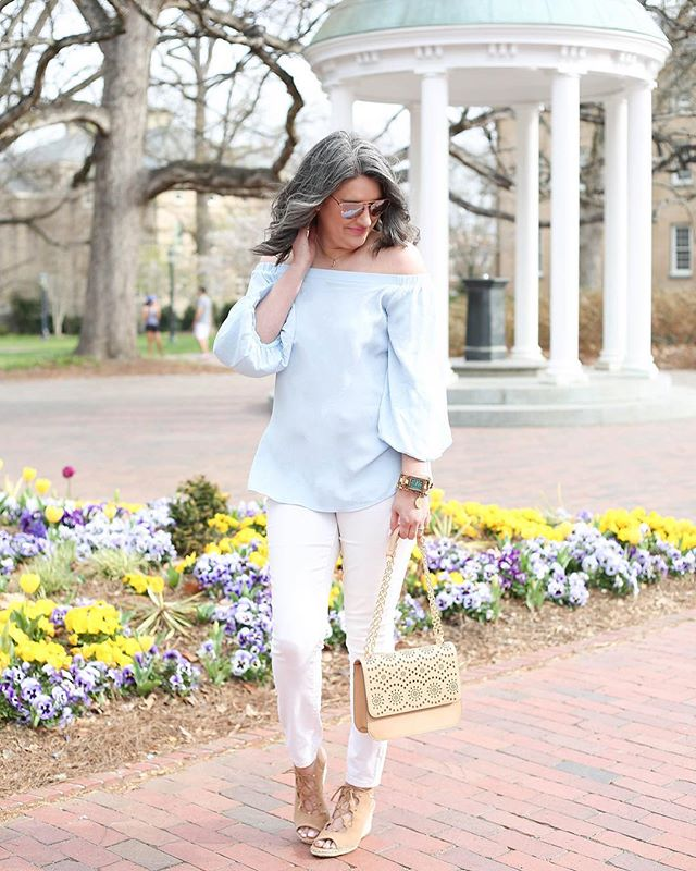 This warm weather reminds me of one of my fave blogger pics EVER with @wine_couture!