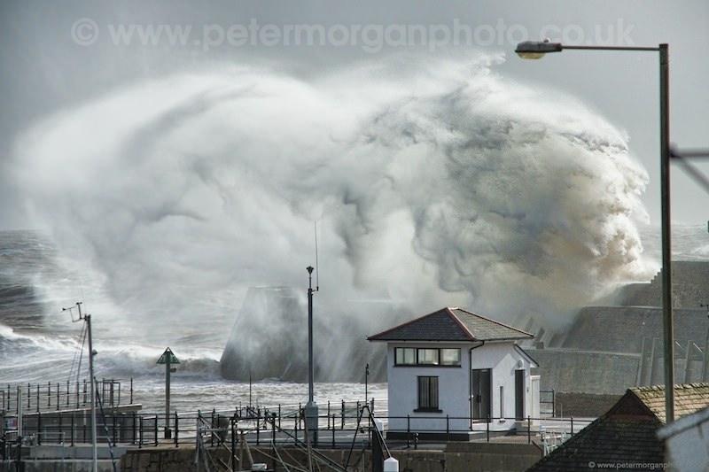 Storm Porthcawl Harbour 20140208_47.jpg
