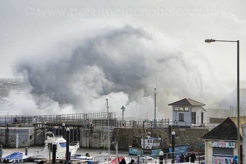 Storm Porthcawl Harbour 20140208_106.jpg