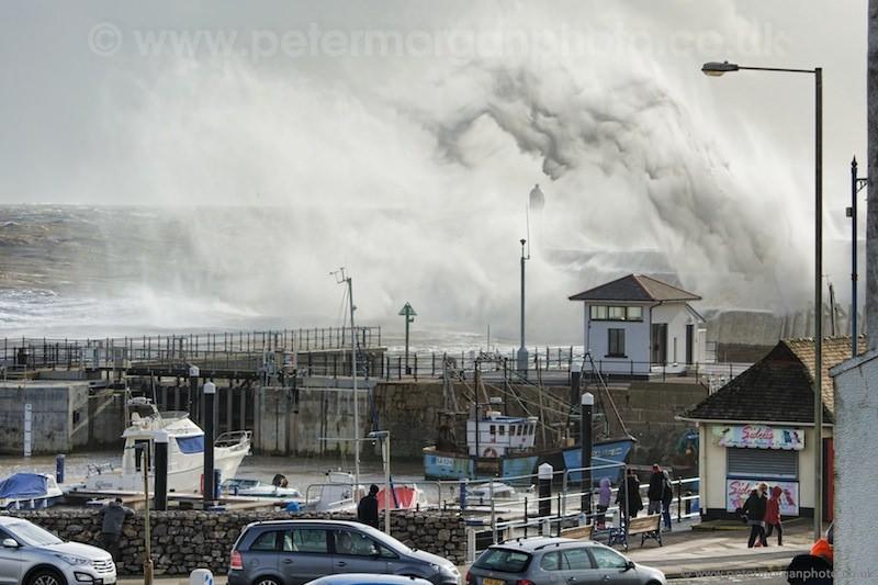 Storm Porthcawl Harbour 20140208_118.jpg