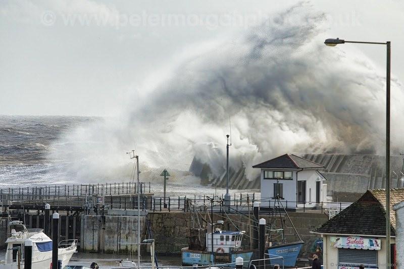Storm Porthcawl Harbour 20140208_149.jpg