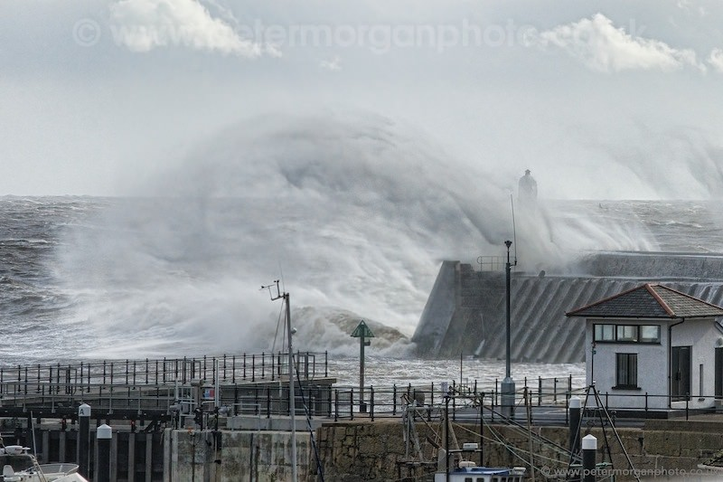 Storm Porthcawl Harbour 20140208_306.jpg