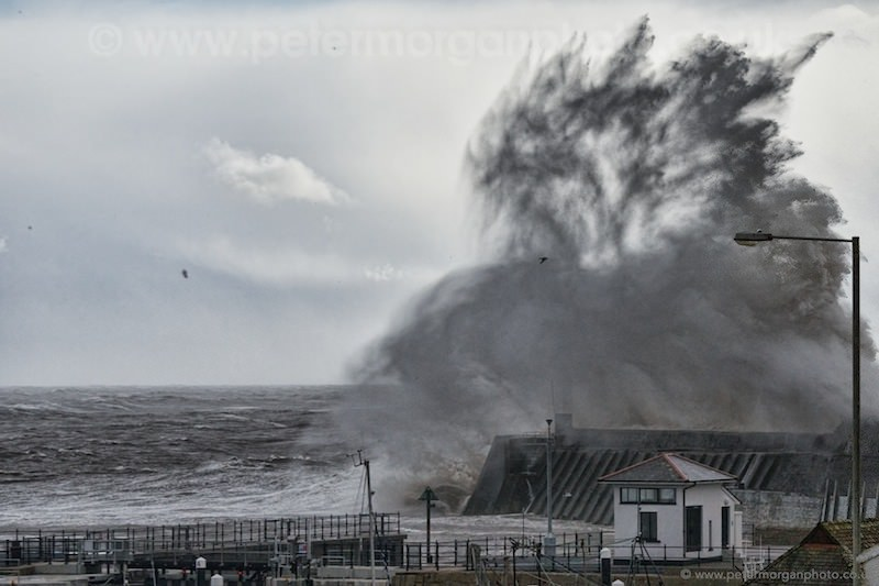 Storm Porthcawl Harbour 20140208_369.jpg
