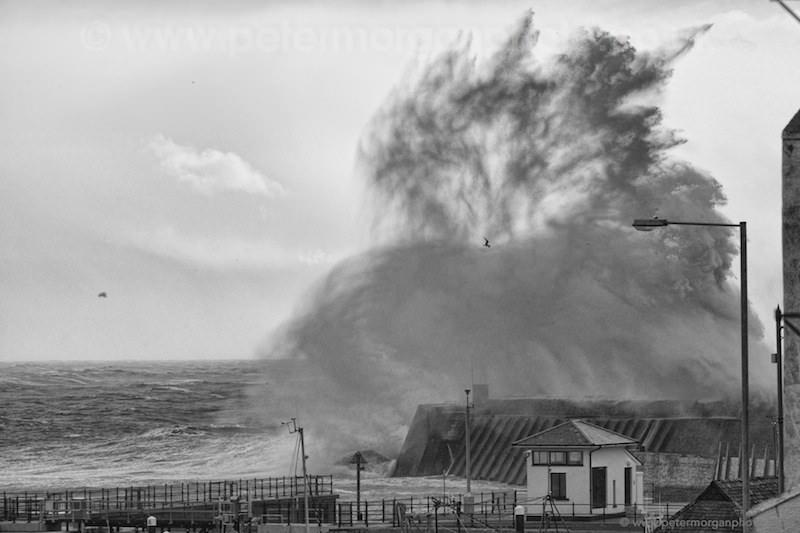 Storm Porthcawl Harbour 20140208_370.jpg