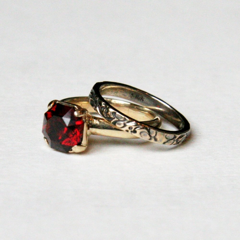 2013 garnet wedding set.jpg