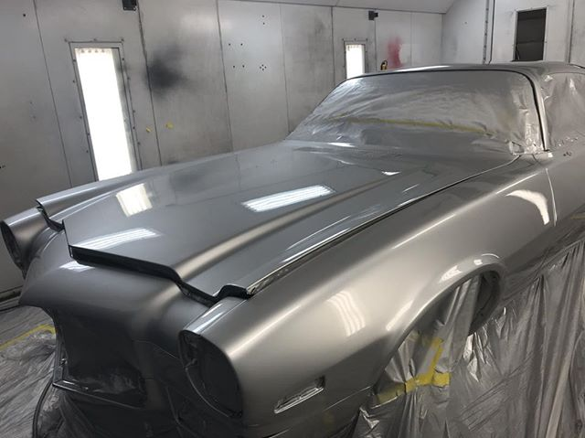 Jon did a great job spraying the Camaro today. Came out slick and a little cut/buff will really make it pop. Nice job Jon #manmadelegends