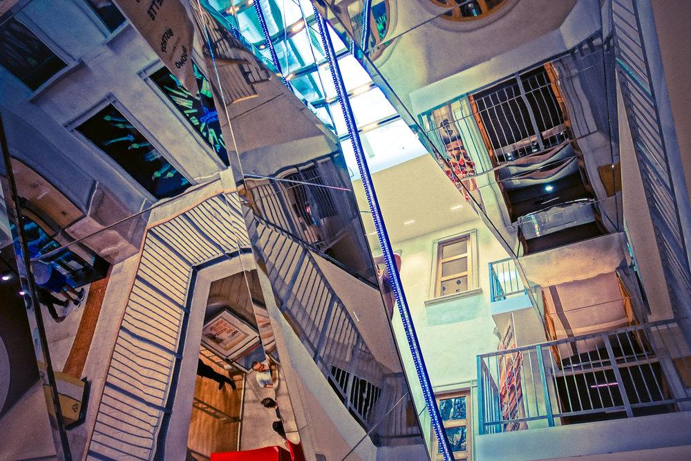 Bluetone Milan Stair View