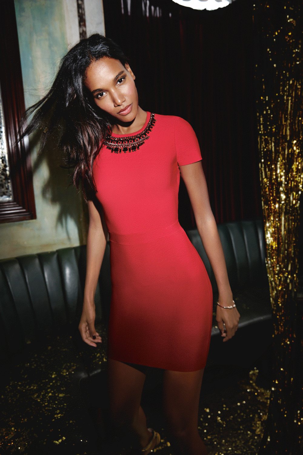 1512_HOLIDAY_BCBG_290_4C.png