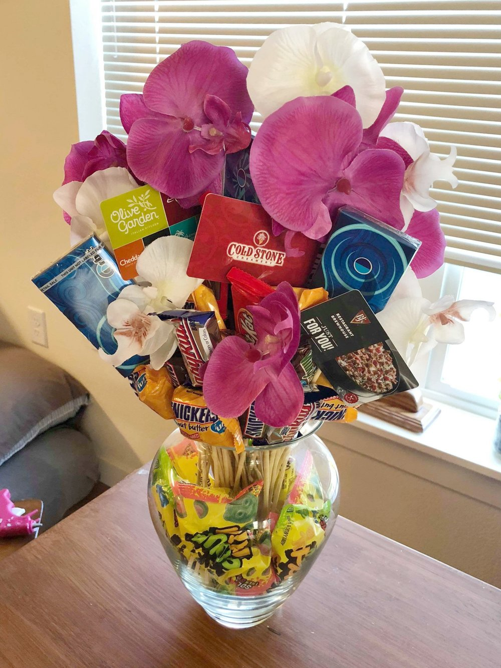 Featuring you candygift card bouquet gift idea izmirmasajfo