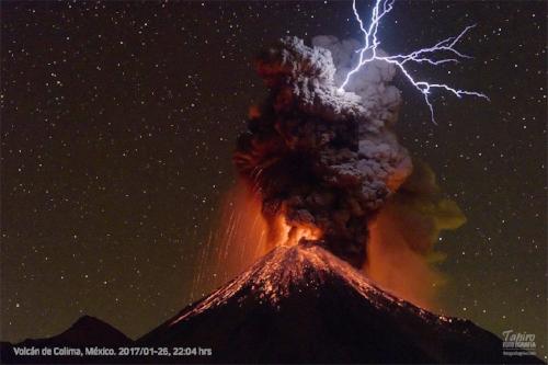 ColimaVolcano.Erupting-TapiroPhotography (1).jpg