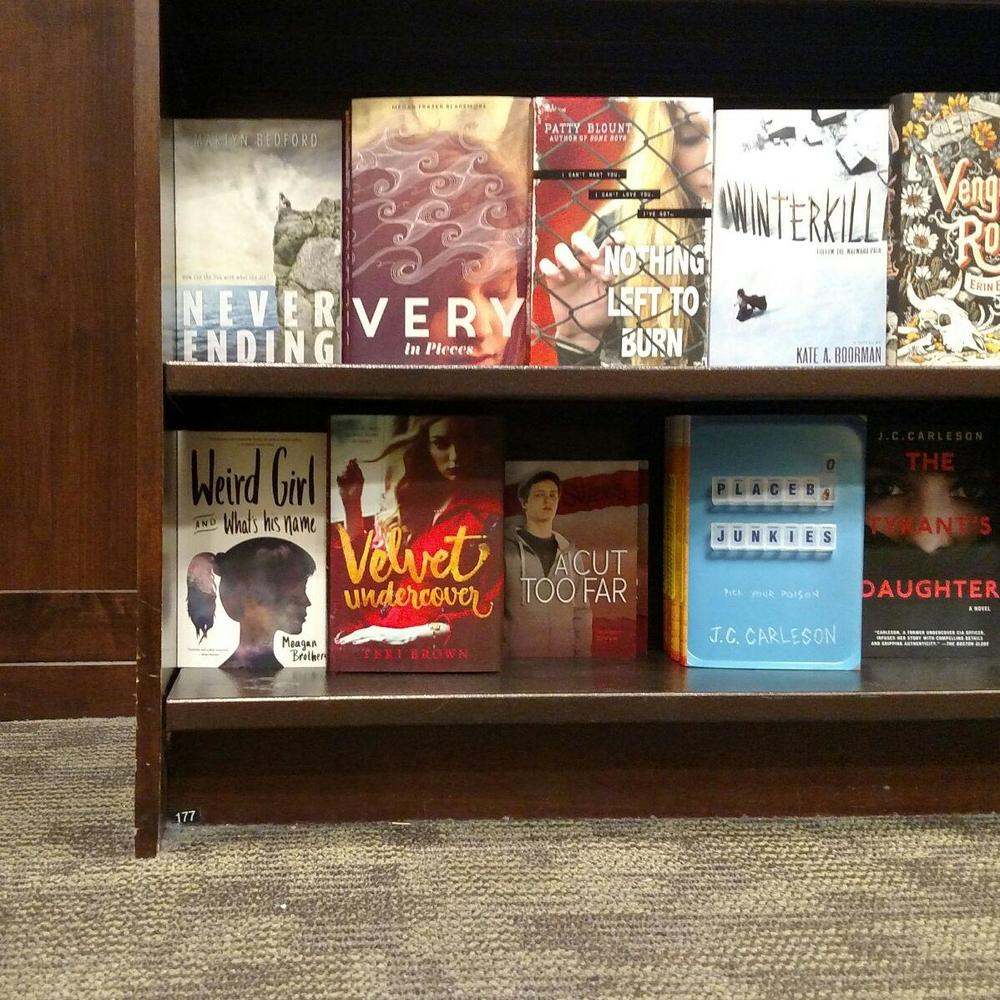 Spotted by the illustrious Nicole Frail (www.nicolefrail.com).
