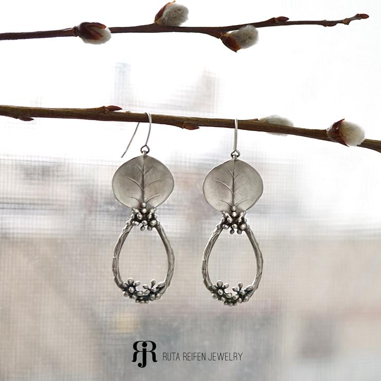 Silver statement earrings !