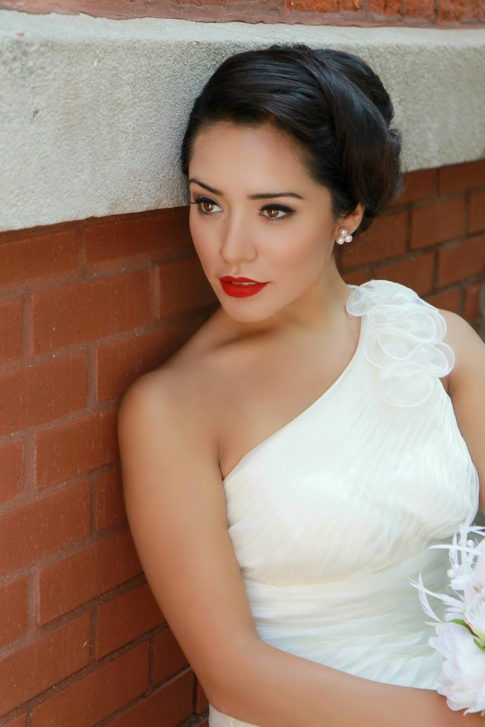 Chicago, Illinois IL clean classic luxury vintage bridal wedding hair and makeup