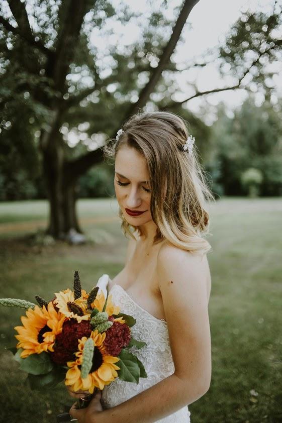 Gorgeous sunflower bridal bouquet