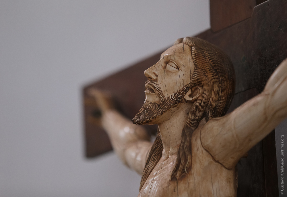 Goa, India: Jesus Crucificado. Marfil tallado, siglo XVII - Foto: Gustavo Kralj/Gaudiumpress