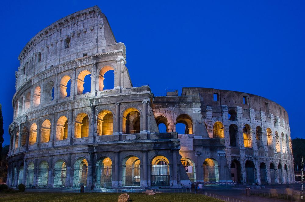 Roma: anochecer frente al Coliseo. Foto:G  ustavo Kralj/Gaudiumpress