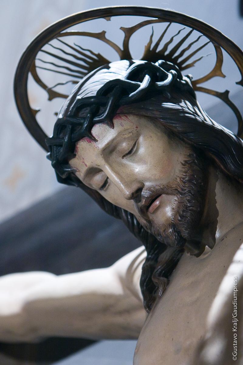 Roma: Cristo crucificado-Iglesia de Ntra Sra del Perpetuo Socorro - Foto: Gustavo Kralj/Gaudiumpress