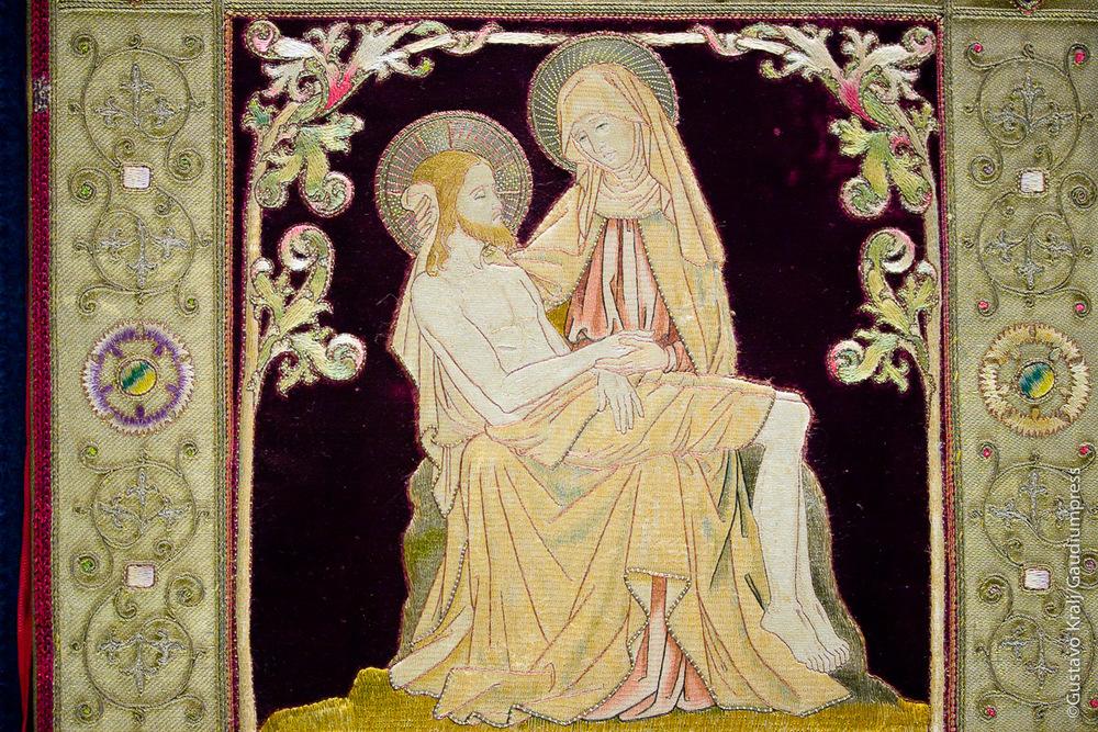 Roma: Ma  ter Dolorosa, bordado.Basilica de St  Pablo extramuros  . F  oto: Gustavo Kralj/Gaudiumpress