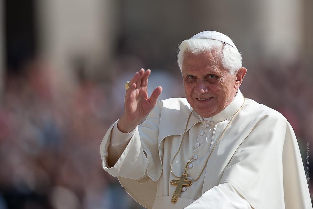 Roma: El Papa Benedicto XVI bendice a las multitudes. Foto: Gustavo Kralj/Gaudiumpress