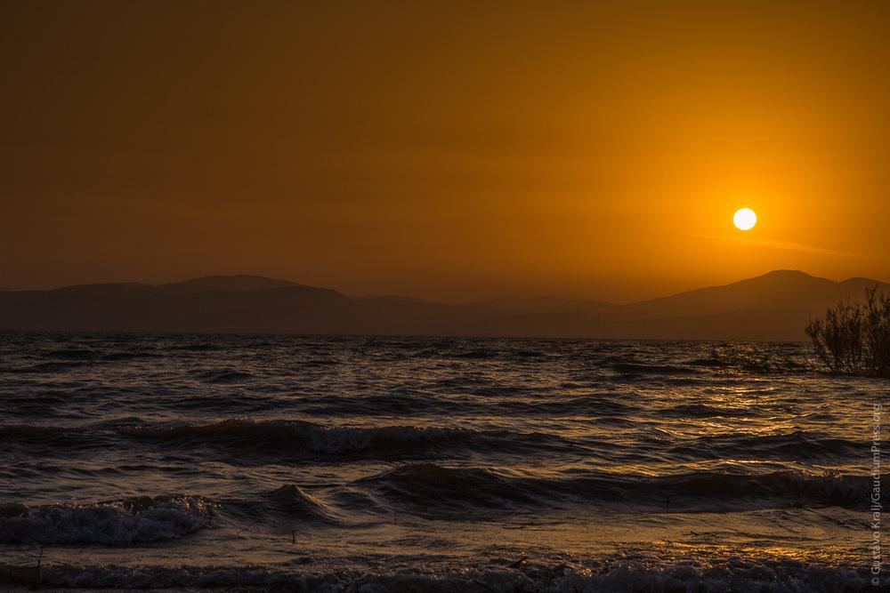 Tierra Santa: Atardecer en el Mar de Galilea. Foto: Gustavo Kralj/Gaudiumpress
