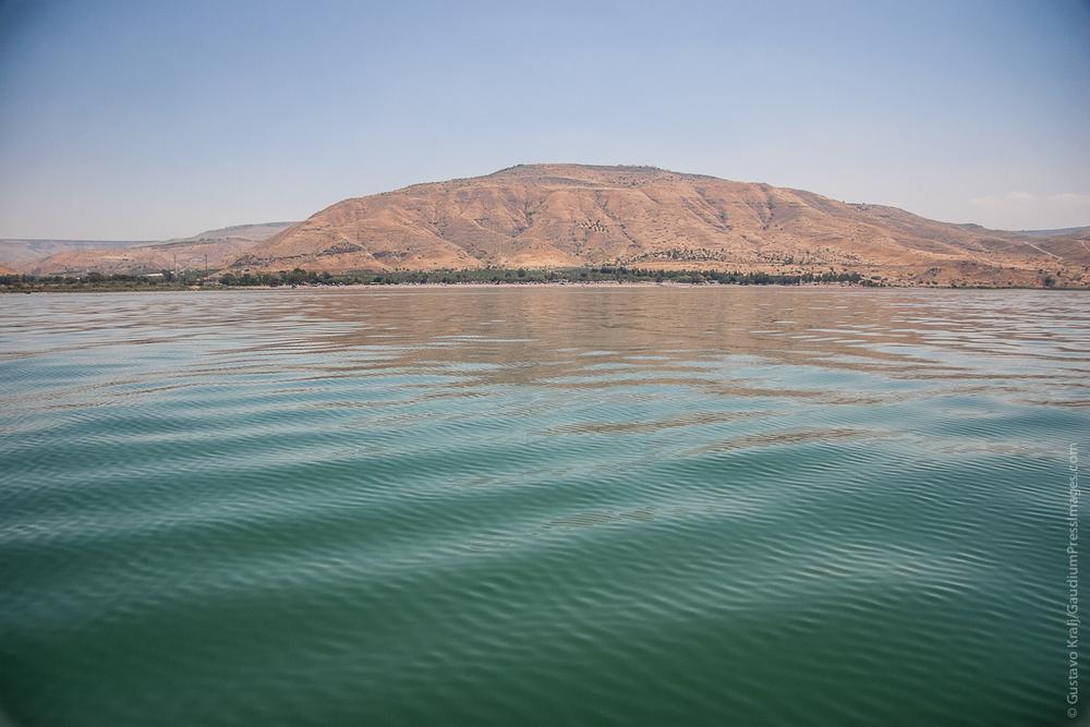 Tierra Santa:Costas del Mar de Galilea, donde Jesús predicó la parábola de los talentos. Foto: Gustavo Kralj/Gaudiumpress