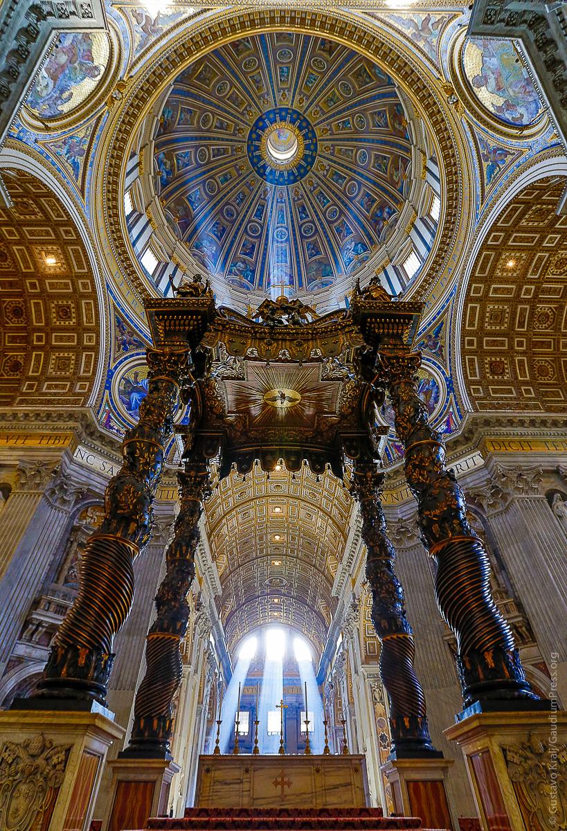 Altar de la Confesión. Basilica de San Pedro, Roma. Foto: Gustavo Kralj/GaudiumpressImages