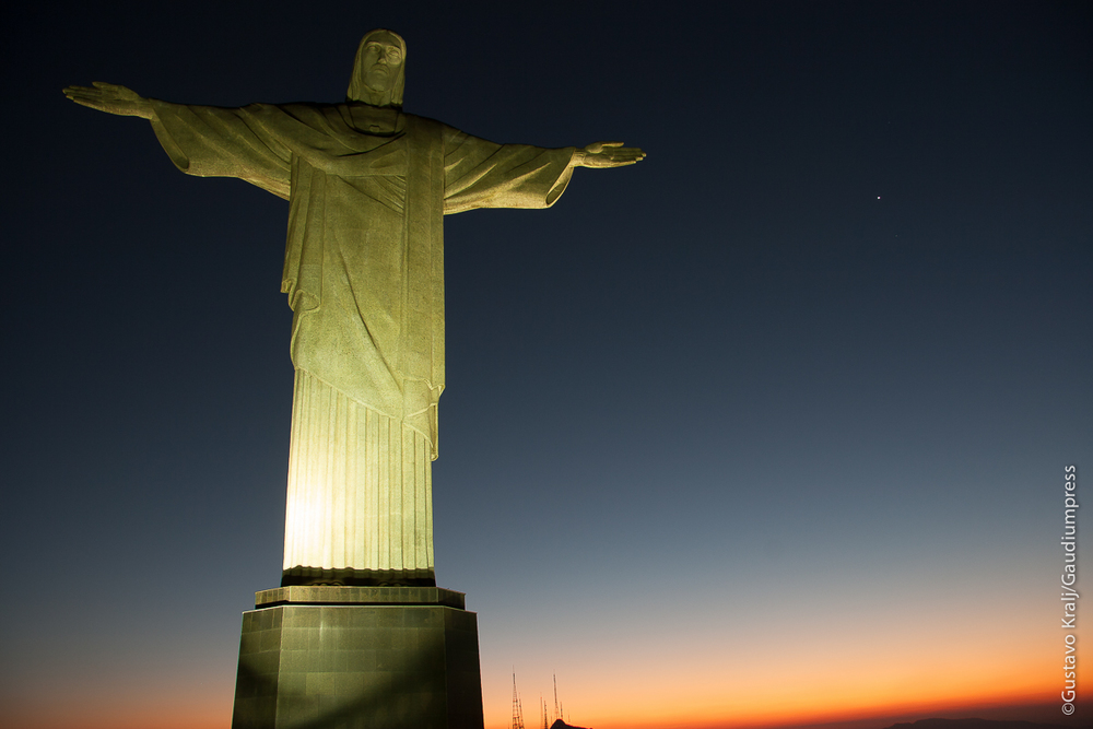 """""""Yo soy el Camino, la Verdad y la Vida. Nadie va al Padre, sino por mí."""" -Cristo Redentor, Brasil - Foto: Gustavo Kralj/GaudiumpressImages.com"""