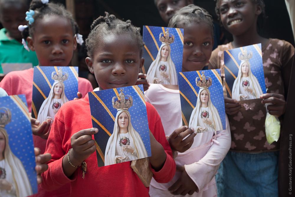 """""""Así como tú me enviaste al mundo, yo también los envío al mundo."""" Misión en Puerto Príncipe, Haiti. Foto: Gustavo Kralj/gaudiumpressImages.com"""