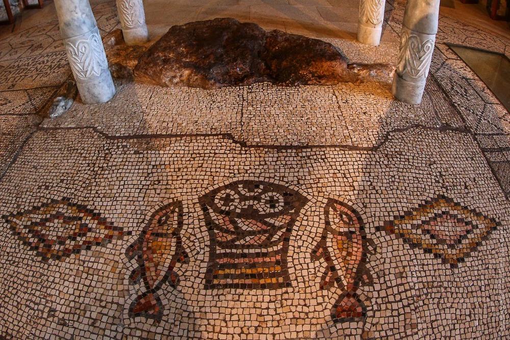 Galilea,Tierra Santa: Lugar de la multiplicación de los Panes frente al lago de Genesareth. Foto: Gustavo Kralj/GaudiumpressImages.com
