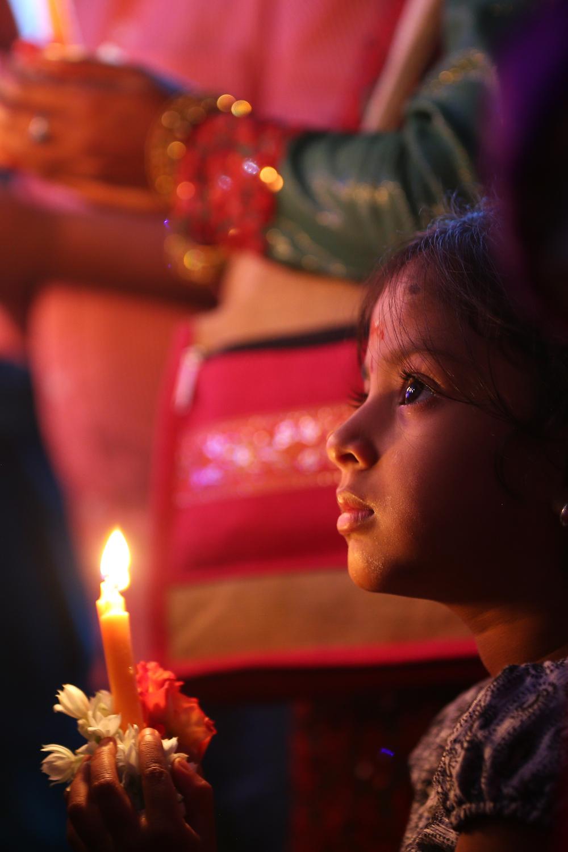 Bangalore, India: niños en oración en el Santuario de Ntra Sra de la Salud. Foto: Gustavo Kralj/GaudiumpressImages.com