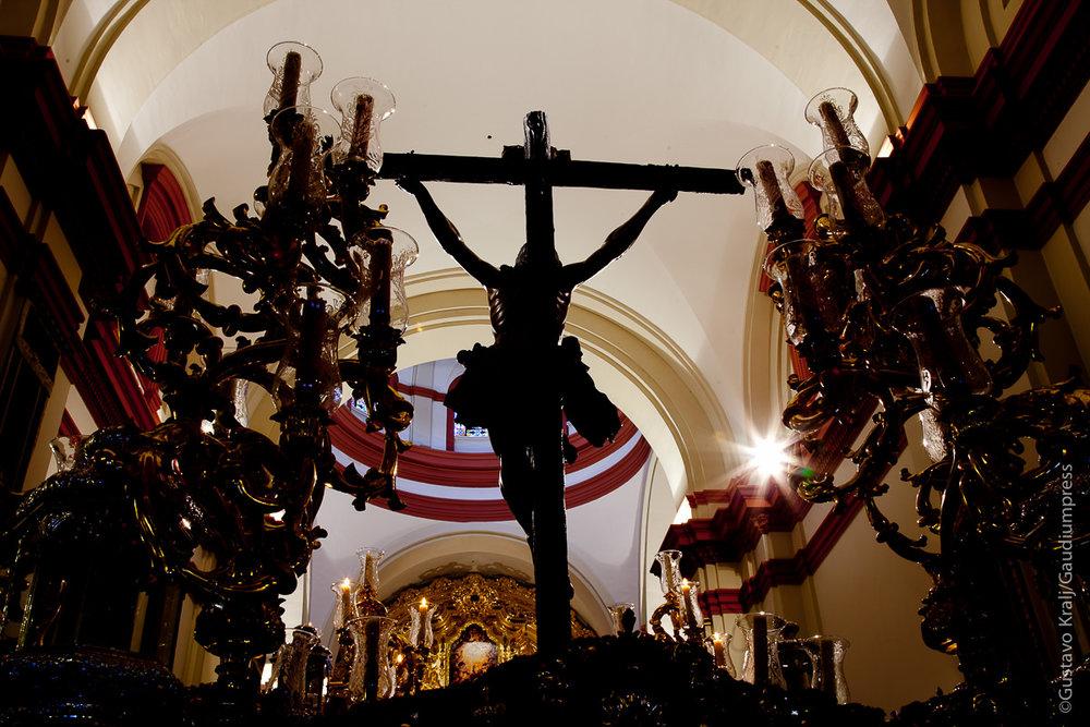 """Sobre su cabeza había una inscripción: """"Este es el rey de los judíos"""".Sevilla: El Cachorro. Foto: Gustavo Kralj/GaudiumpressImages.com"""