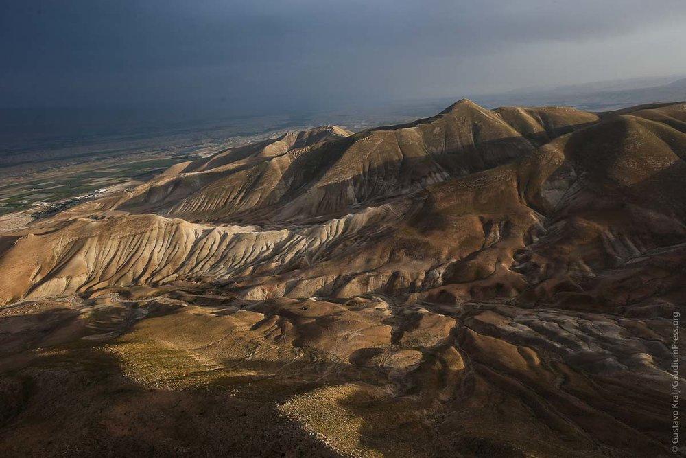 Tierra Santa: vista aerea de las Montañas entre Judea y Samaria. Foto: Gustavo Kralj/GaudiumpressImages.com
