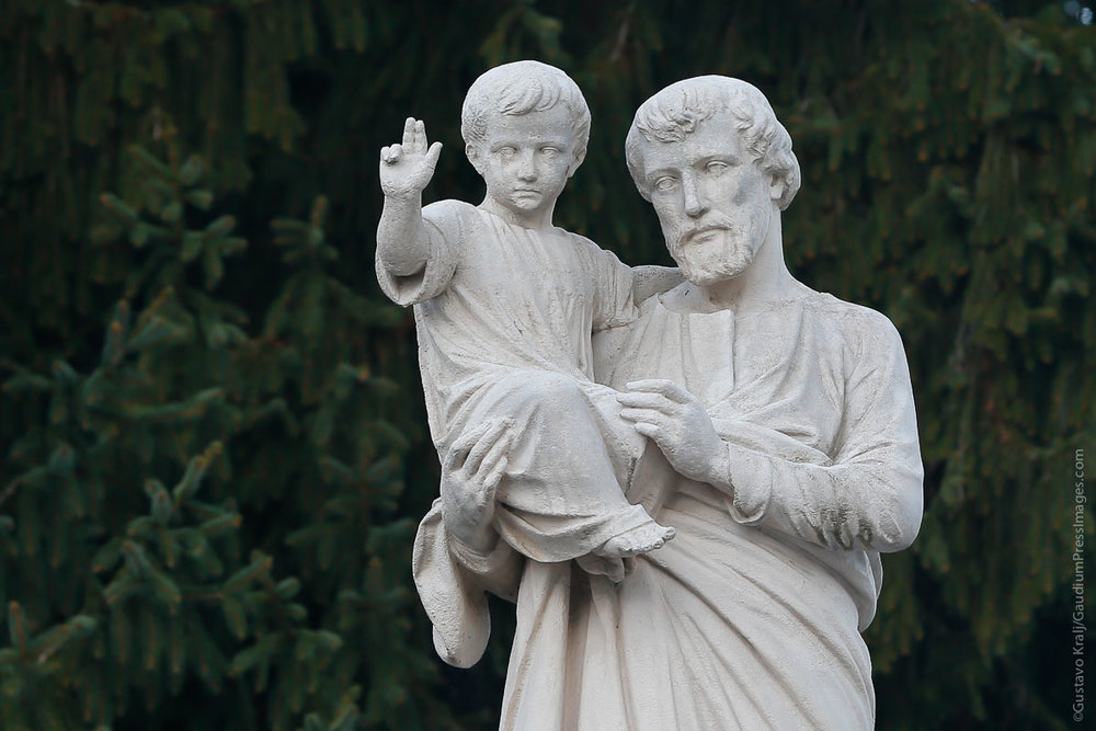 Lourdes, Francia: San José con el niño Dios. Foto: Gustavo Kralj/GaudiumpressImages.com