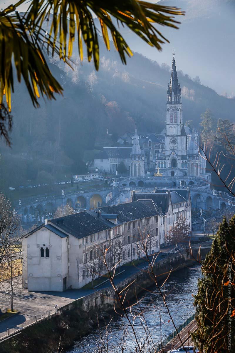 Lourdes, Francia: el Santuario visto desde las colinas circundantes. Foto: Gustavo Kralj/GaudiumpressImages.com