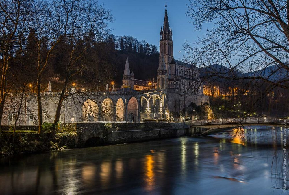 Lourdes, France: Shrine of the apparitions of Our Lady to St BErnardette Soubirous, by the Gave River. Photo: gustavo Kralj/GaudiumpressImages.com