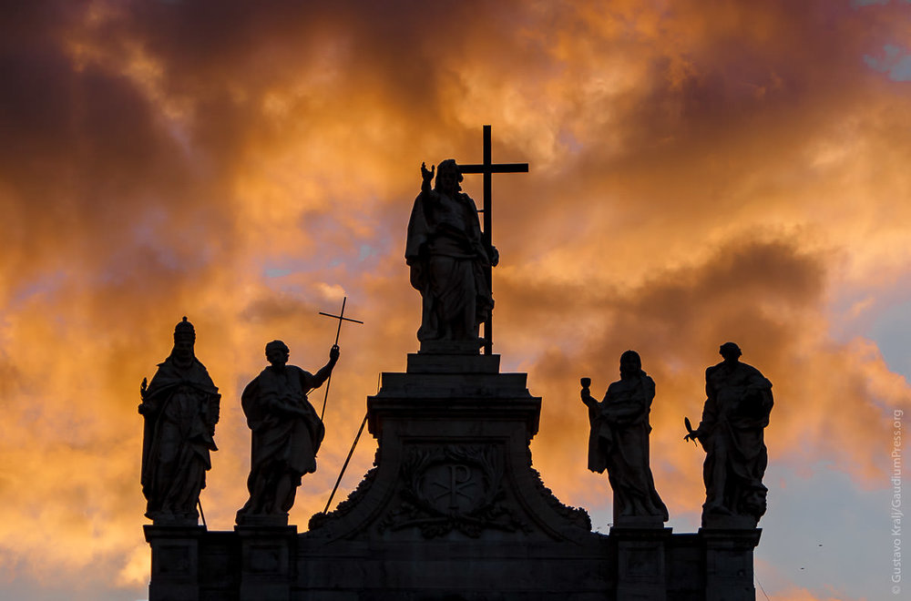 Roma: Basilica de San Juan de Latran al atardecer. Foto: Gustavo Kralj/GaudiumpressImages.com