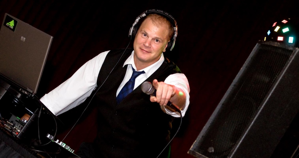wedding DJ minneapolis