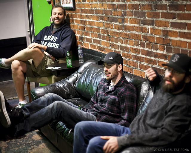 UCB-LA | Doug Loves Movies | 01.15.13 Another one from last night… in the green room with tall Jon, Chris Evans, and Martin Starr (via hotforcevans)
