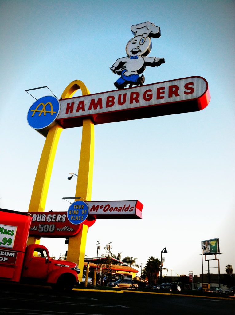 Being in Bellflower means a side trip to the oldest McDonalds… Because they still serve fried apple pies.