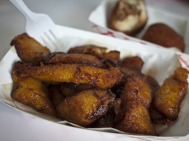 No Jodas Kitchen | 10.04.11 Plantains Maduros… all this can be yours for $3, and if you love plantains as much as I do, it's money welllll spent.