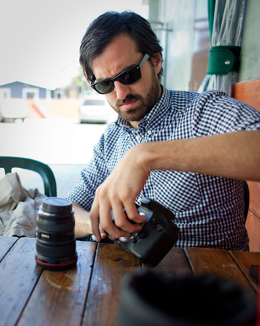 05.27.11     Hugel  and I swap lenses after a lunch at Hugo's Tacos.