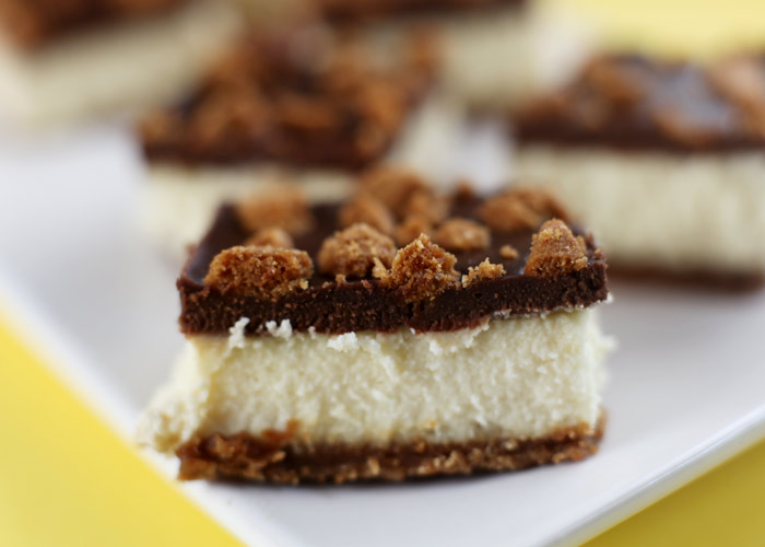 Biscoff Chocolate Cheesecake Bars … yeah  BISCOFF , those delicious cinnamon/ginger cookies they give you on Delta flights. Well I found them at Walgreens and now my mission is set, to bake incorporating these delicious cookies.   (image and recipe via  bakerella )