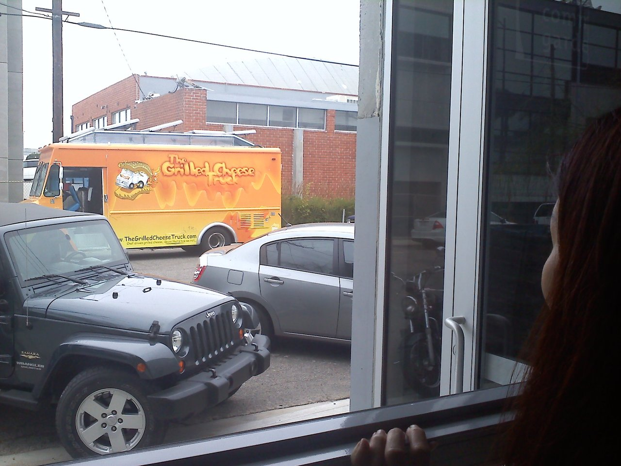 DAMN YOU GRILLED CHEESE. idigress: Although we have proof it stopped across the street, the grilled cheese truck took off before we could sample the wares. :(