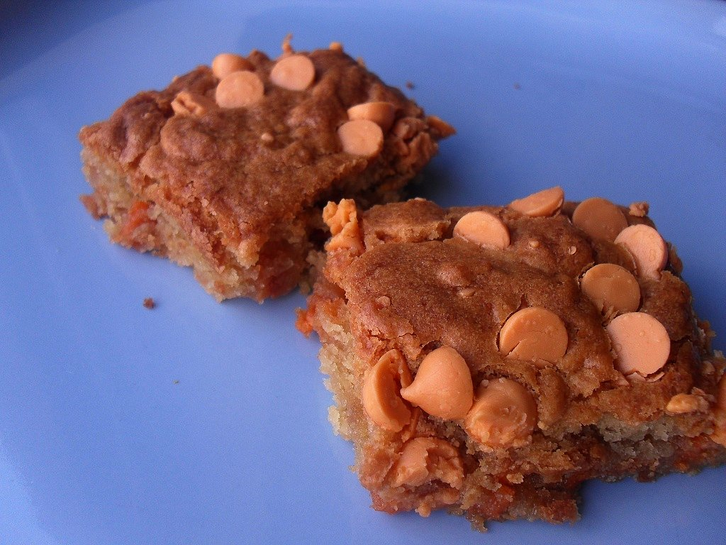 Speaking of food, does anyone know of a place that makes/sells a good butterscotch blondie in Los Angeles?