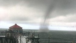 idigress: An actual tornado in Southern California yesterday! Well one in 10 years I guess we have something in the weather to talk about now. Huntington Beach!
