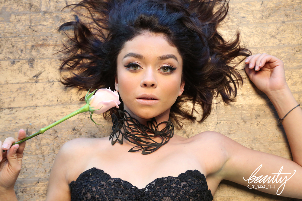 Sarah Hyland wearing our Florens Necklace in black, featured in a Beauty Coach photoshoot. Styled by Daniela Viviana Romero.