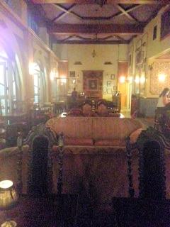 Perch - Bar & lounch Antique Furniture