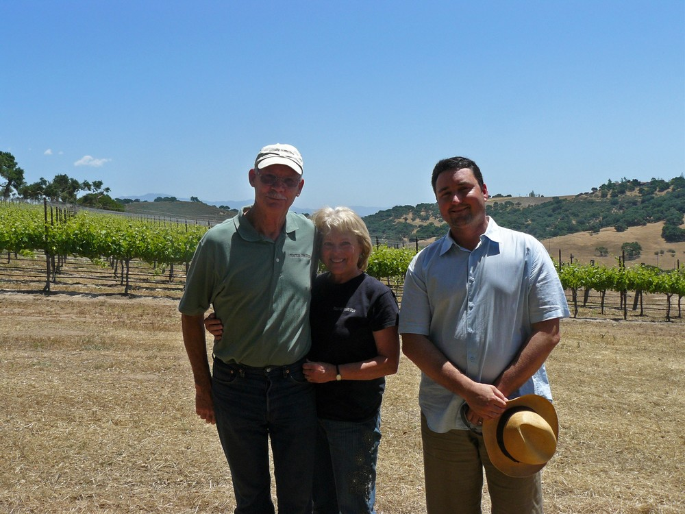 John & Linda Thunen with Michael Larner, owner of Larner Vineyards