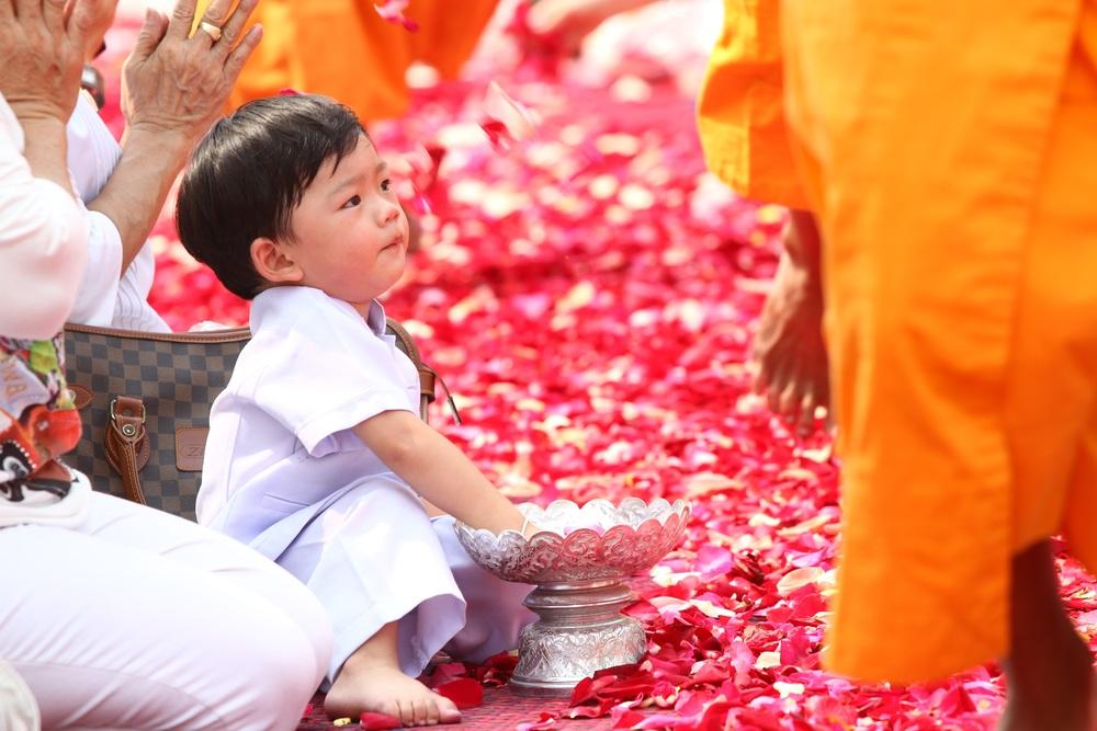buddhists-455855.jpg