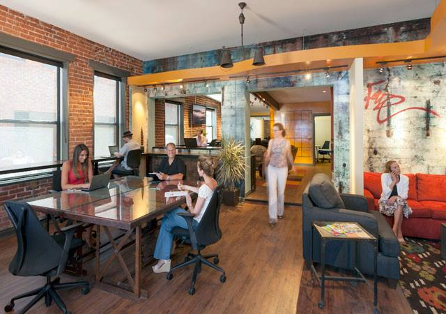 The Top Coworking Spaces In The US Symmetry - Communal work table